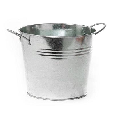 Summer Picnic Tables Bucket